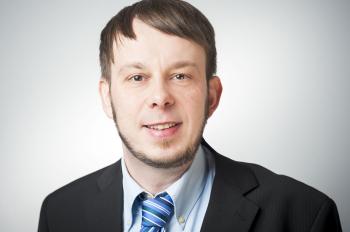 Herr Dr. Denis Herold